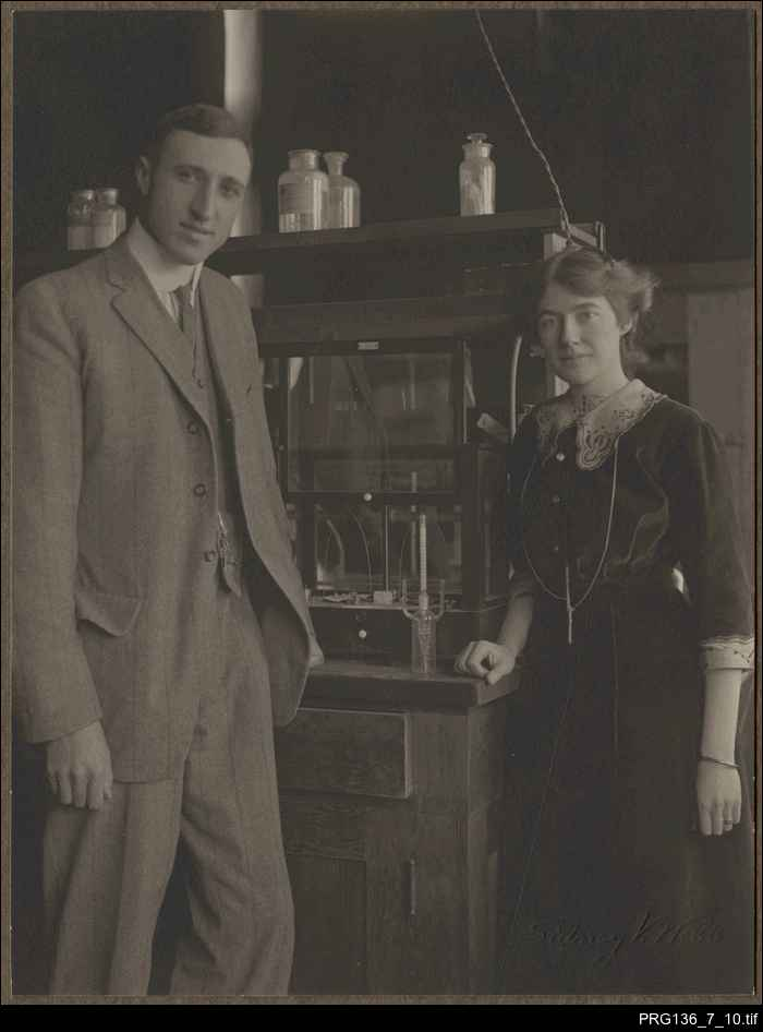 Thorburn Brailsford Robertson and his wife in a laboratory