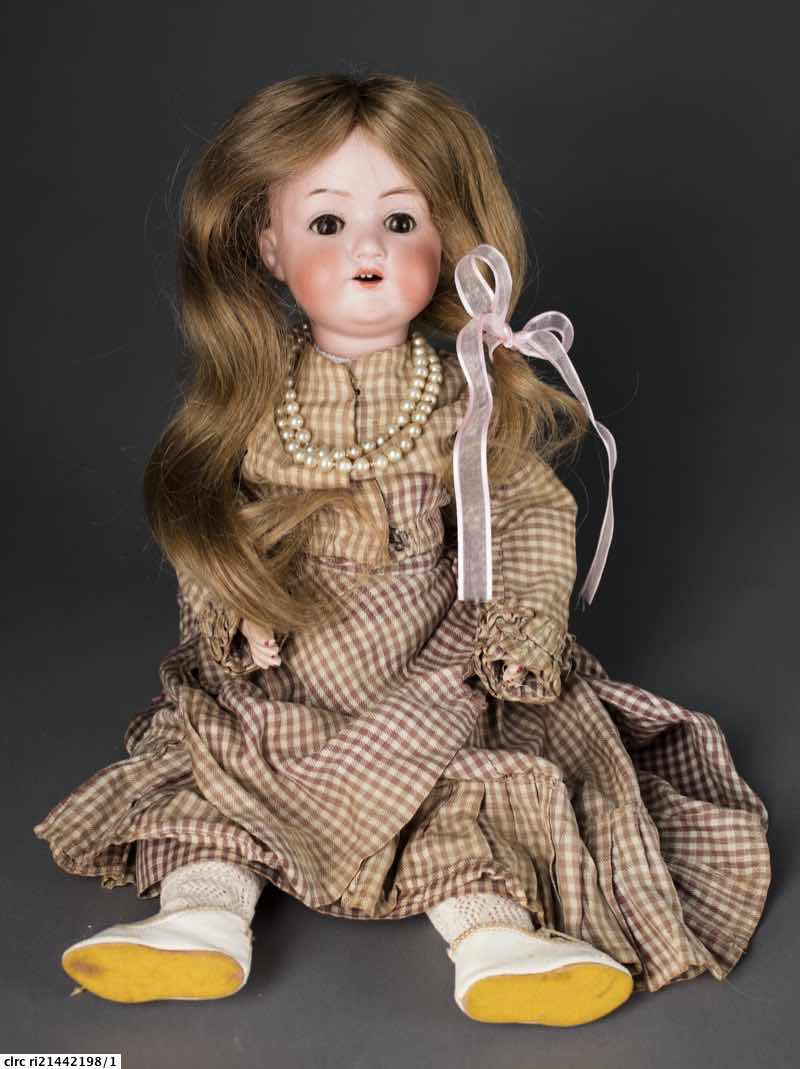 Bisque doll 'Elizabeth'